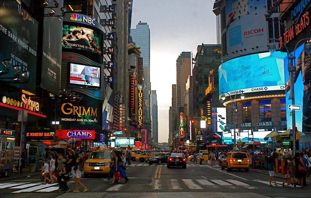42nd Street in Manhattan, New York City | Noel Y ...