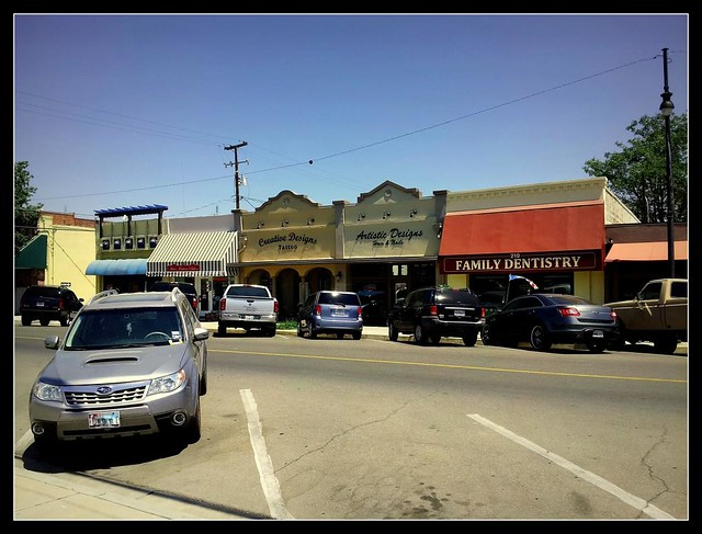 stores on heinlen street lemoore california flickr photo sharing. Black Bedroom Furniture Sets. Home Design Ideas