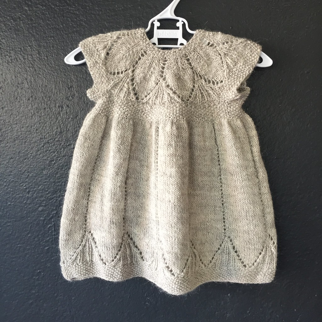 front view of knitted 'clara' dress, knitted in isager alpaca merino in a silver colour