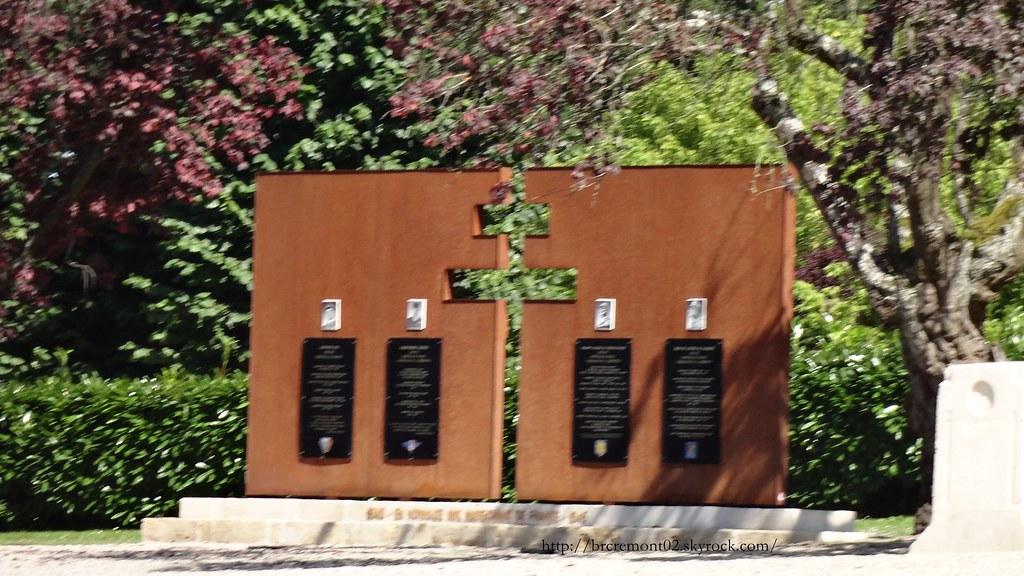 Dsc01320 308 ville de laon monument aux morts cette for Horaire piscine laon