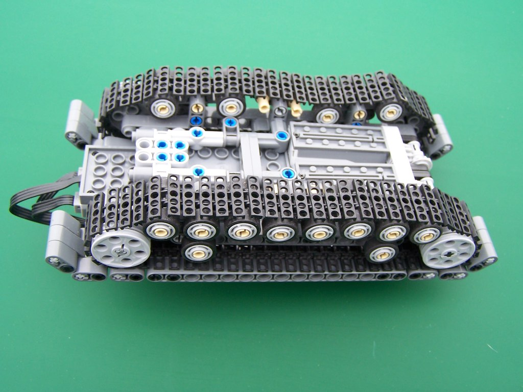 Minifig Scale Lego Technic Tank With Power Functions Flickr