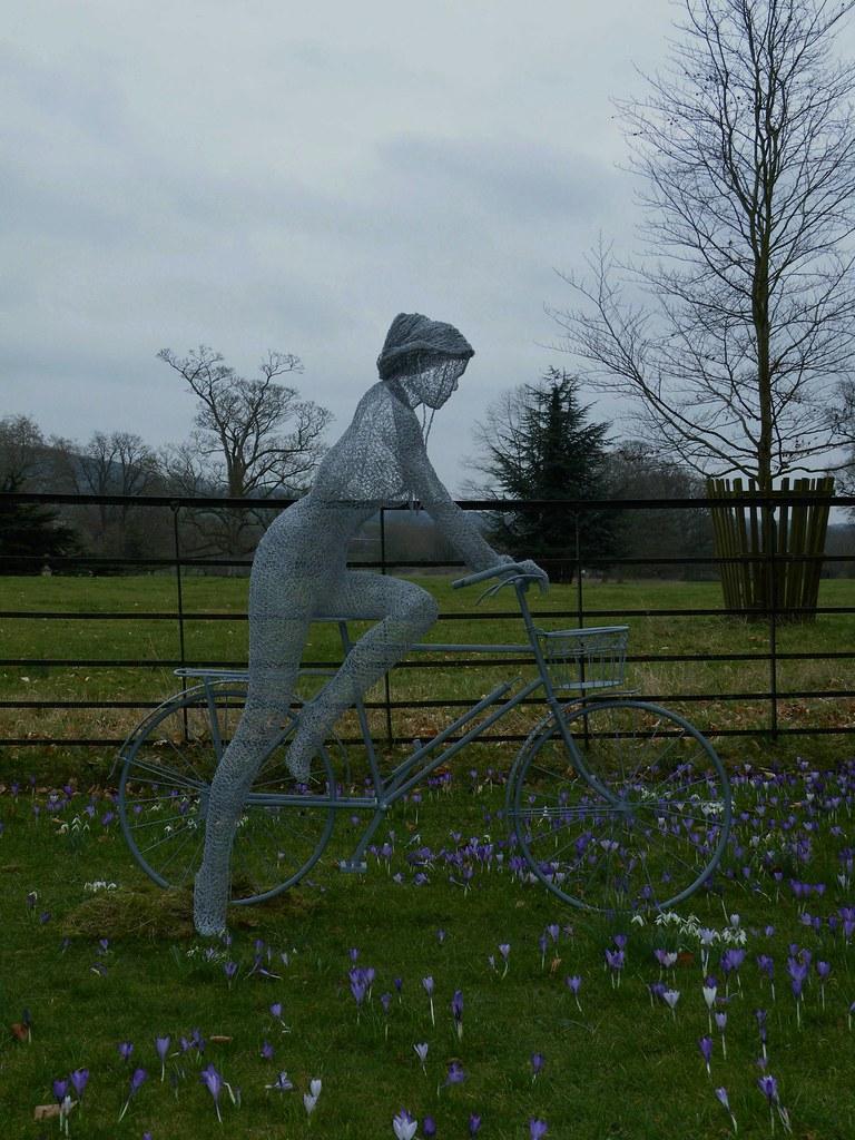 derek kinzett wire sculpture  lady  bicycle solo flickr