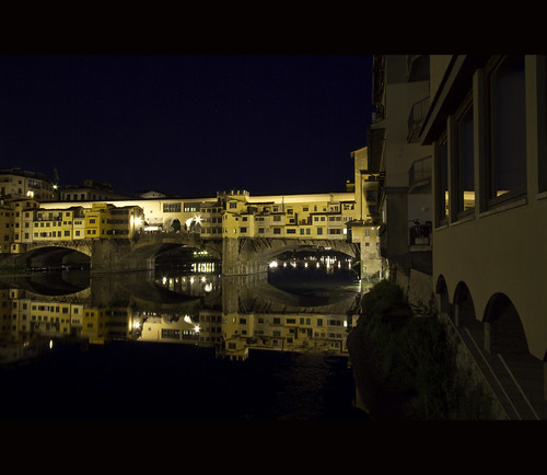 Ponte Vecchio / Nightshot / Florence | by zilverbat. 7 mil. Views
