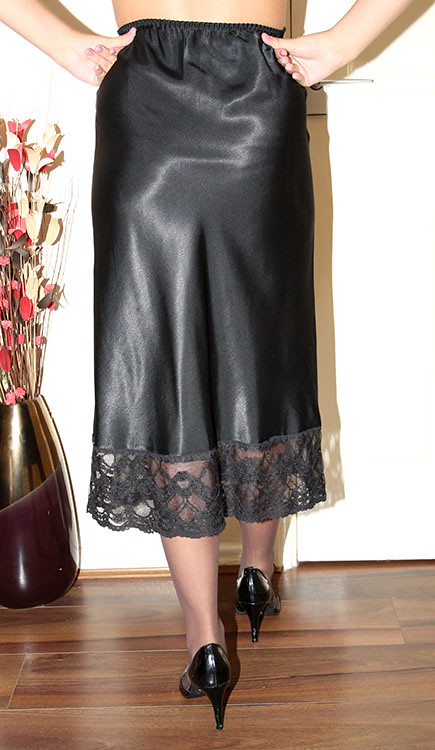 Galerry slip dress black