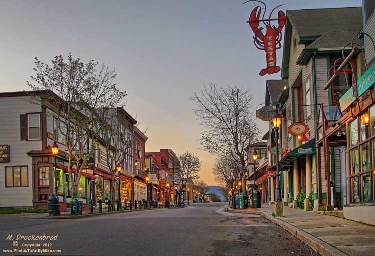 A Main Street Sunrise Bar Harbor Maine Town Of Bar