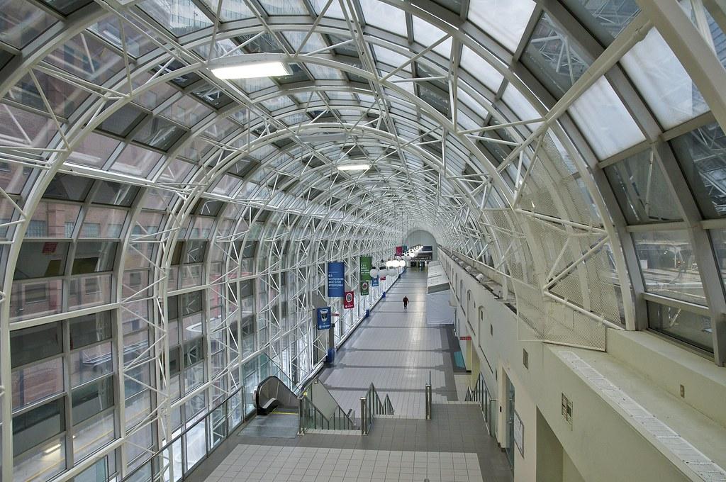 skywalk, toronto, ontario | A solitary walker in Toronto's ...