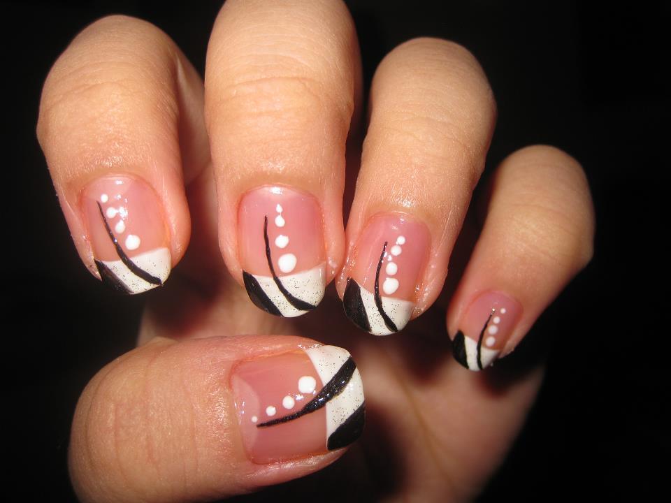 Simple nail art design katikuykuy flickr for Easy nail art designs at home videos