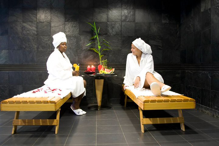 Spa at hotel tropico ryan mackie flickr for A b mackie salon