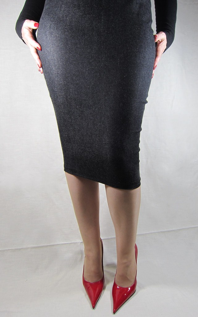 Black Denim Knee Hobble Skirt And Red Patent Leather Point