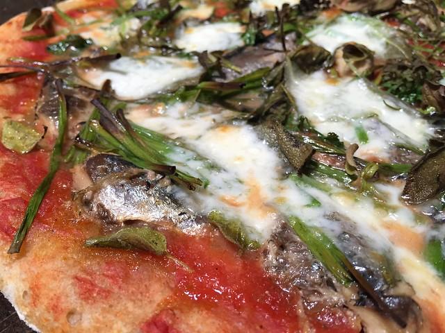 Sardine/Herbs Pizza