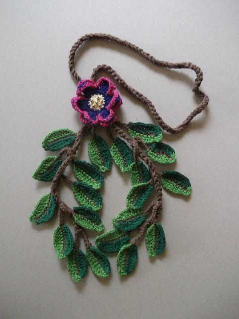Collares tejidos con crochet - Imagui