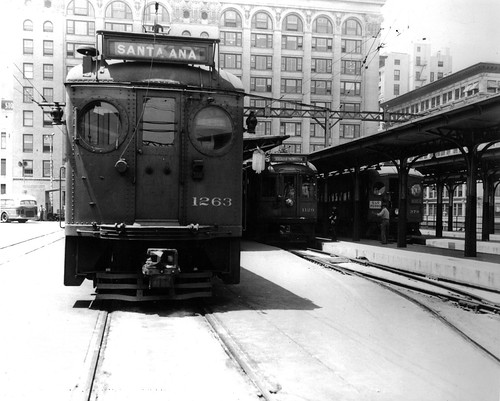 Rail Cars at Sixth and Main Elevated Station | by Metro Transportation Library and Archive