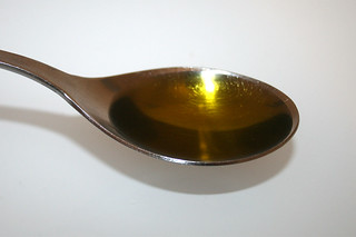 11 - Zutat Olivenöl / Ingredient olive oil