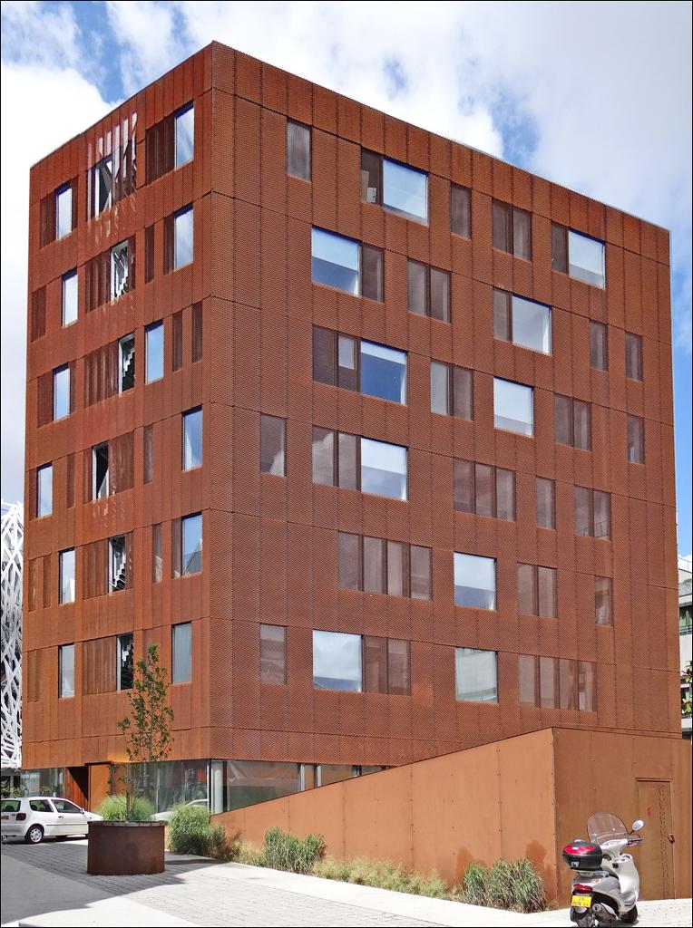 l 238 le quartier de la cr 233 ation nantes cet immeuble flickr
