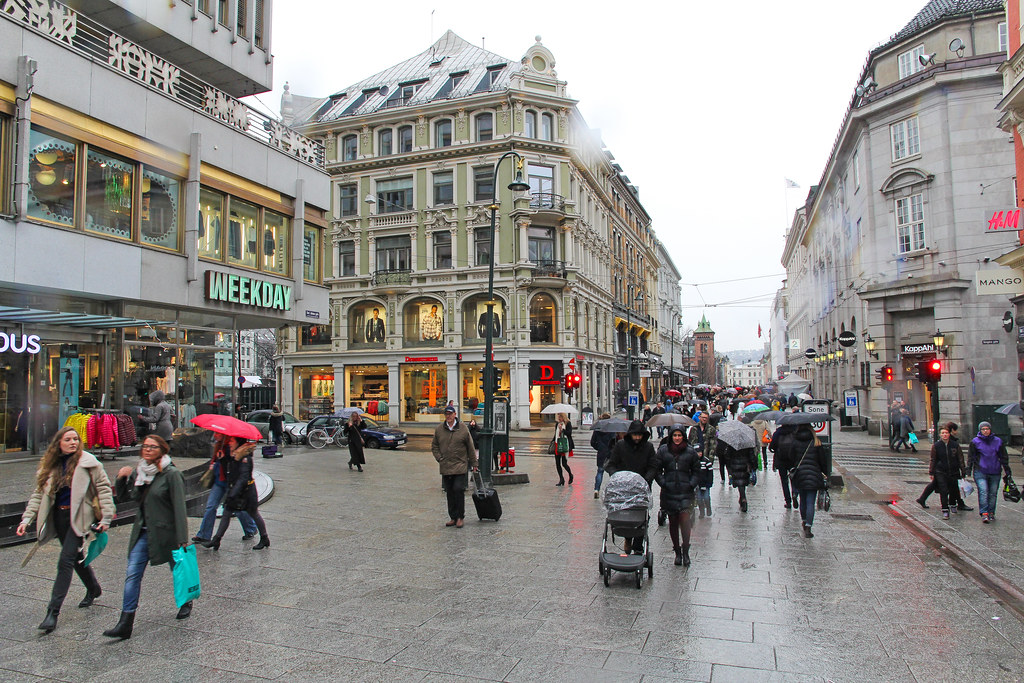 Karl johans gate shopping