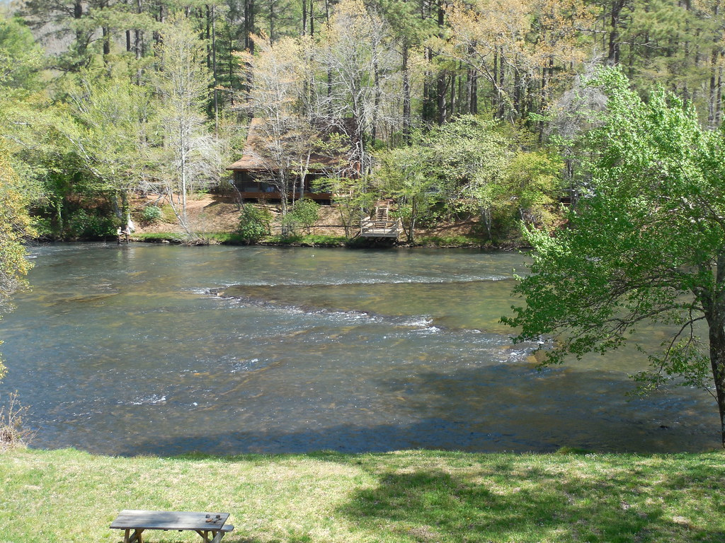 The toccoa river fish trap taken from the blue ridge for Toccoa river fishing