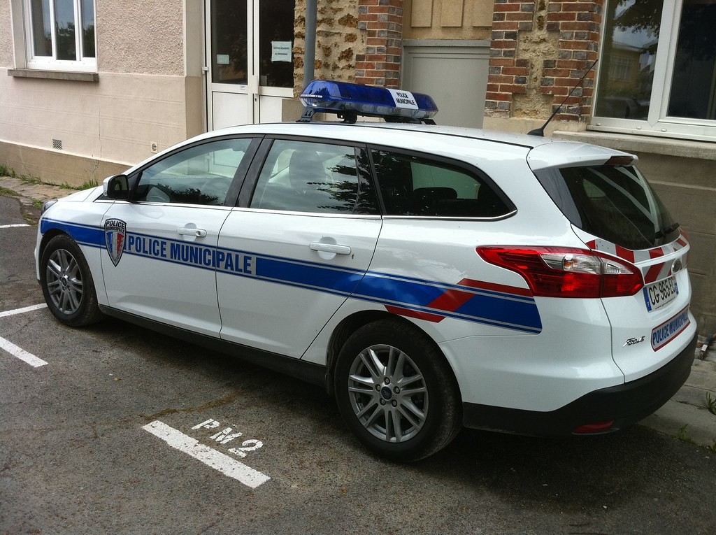 Ford focus police municipale bretigny sur orge ford for Garage ford bretigny
