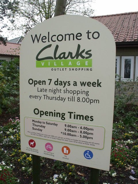 Opening Times Clarks Shoes Larne