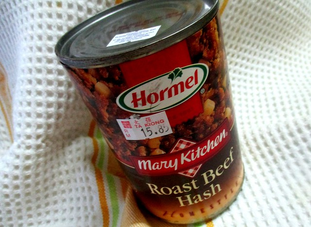 Can of roast beef hash