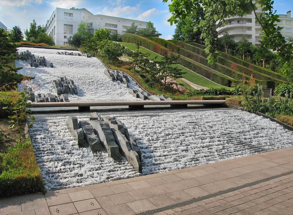 Jml water feature design parc diderot courbevoie franc for Water feature design