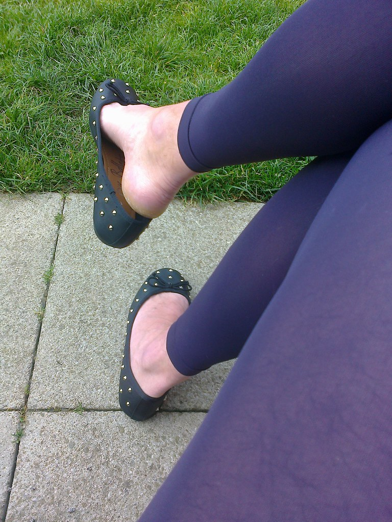 Shoe play and dangling 1 6