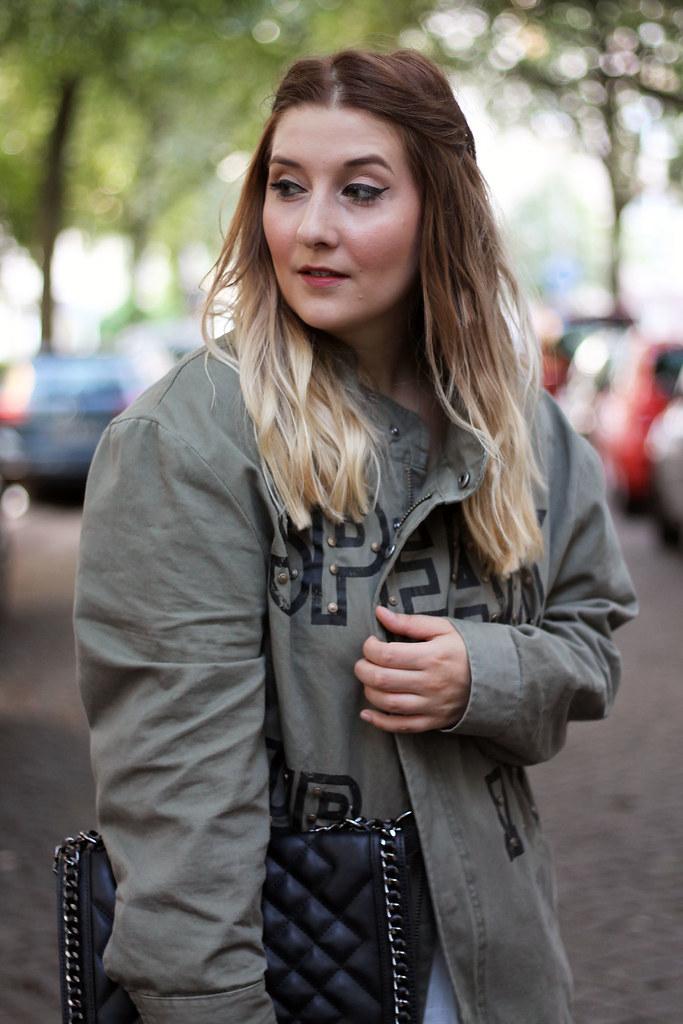 outfit-look-style-modeblog-fashionblog-tasche-jacke-zara-print-spitzenkleid-sommer2