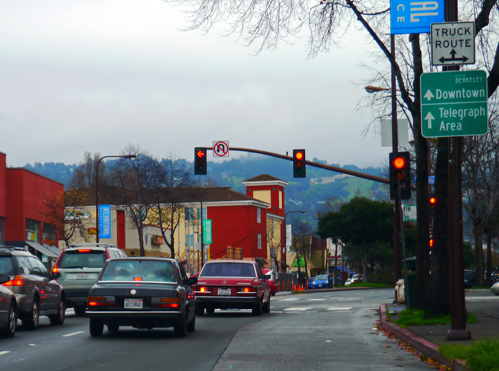 Berkeley California Usa First Traffic Light In