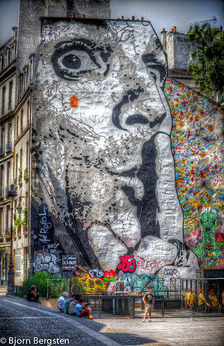 Chuuuttt, huge stencil of Jef Aérosol, Beaubourg - Paris [Explored] | by navarob