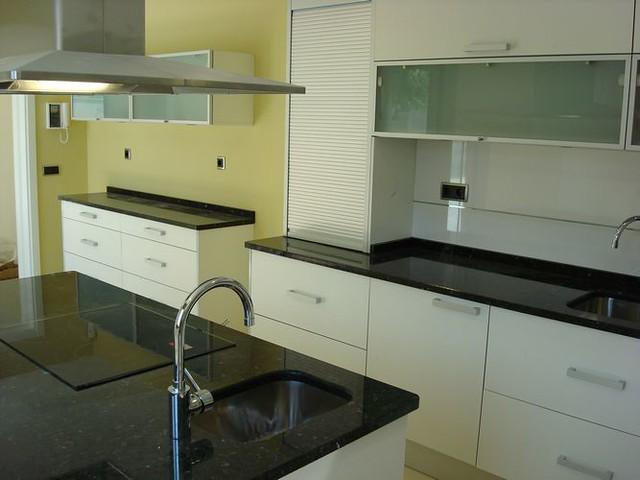 Dise o de cocinas en getafe madrid blanco encimera grani - Cocinas con encimeras de granito ...