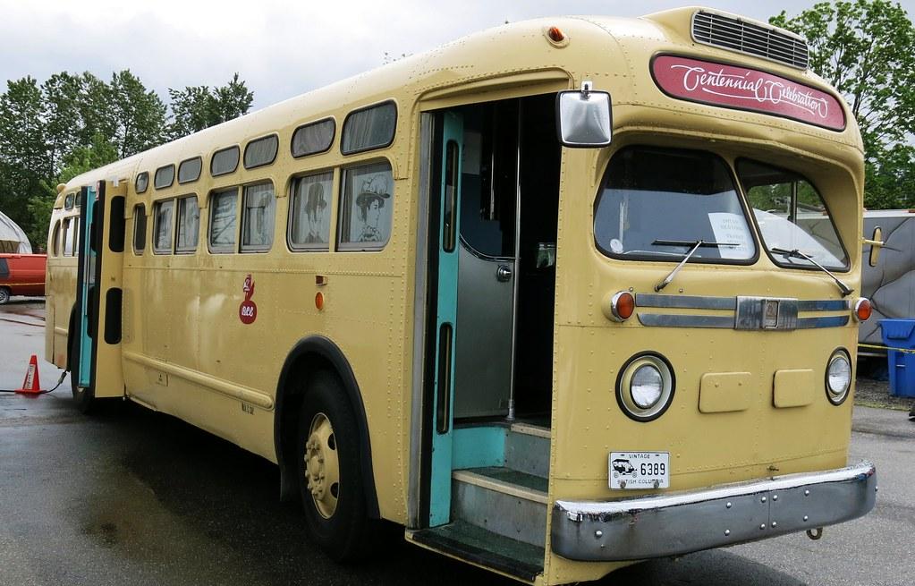 1957 Gm Tdh 4512 Transit Bus Ex B C Electric Railway Co