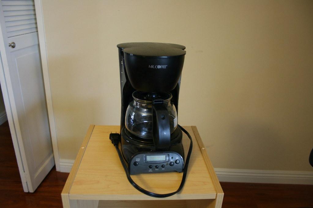 Mini coffee maker - USD 5 Small drip coffee maker. 4 cup capa? Flickr