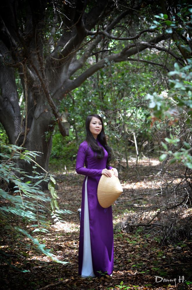Ao Dai Tim Hue - Vietnamese Traditional Dress | Ao Dai Tim H… | Flickr