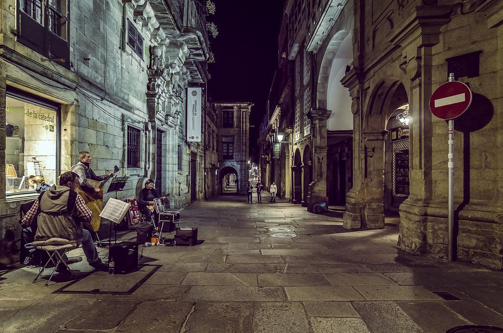 Musicos callejeros en santiago de compostela la magia de - Arrokabe arquitectos santiago de compostela ...