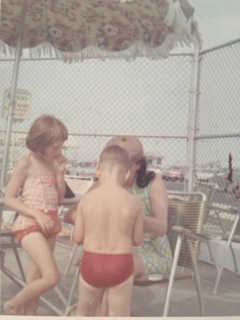 Elizabeth & John at the pool at the Avon Inn