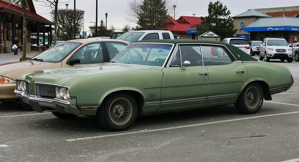 White Malibu Car >> 1970 Oldsmobile Cutlass Supreme 4-Door Hardtop | Custom ...