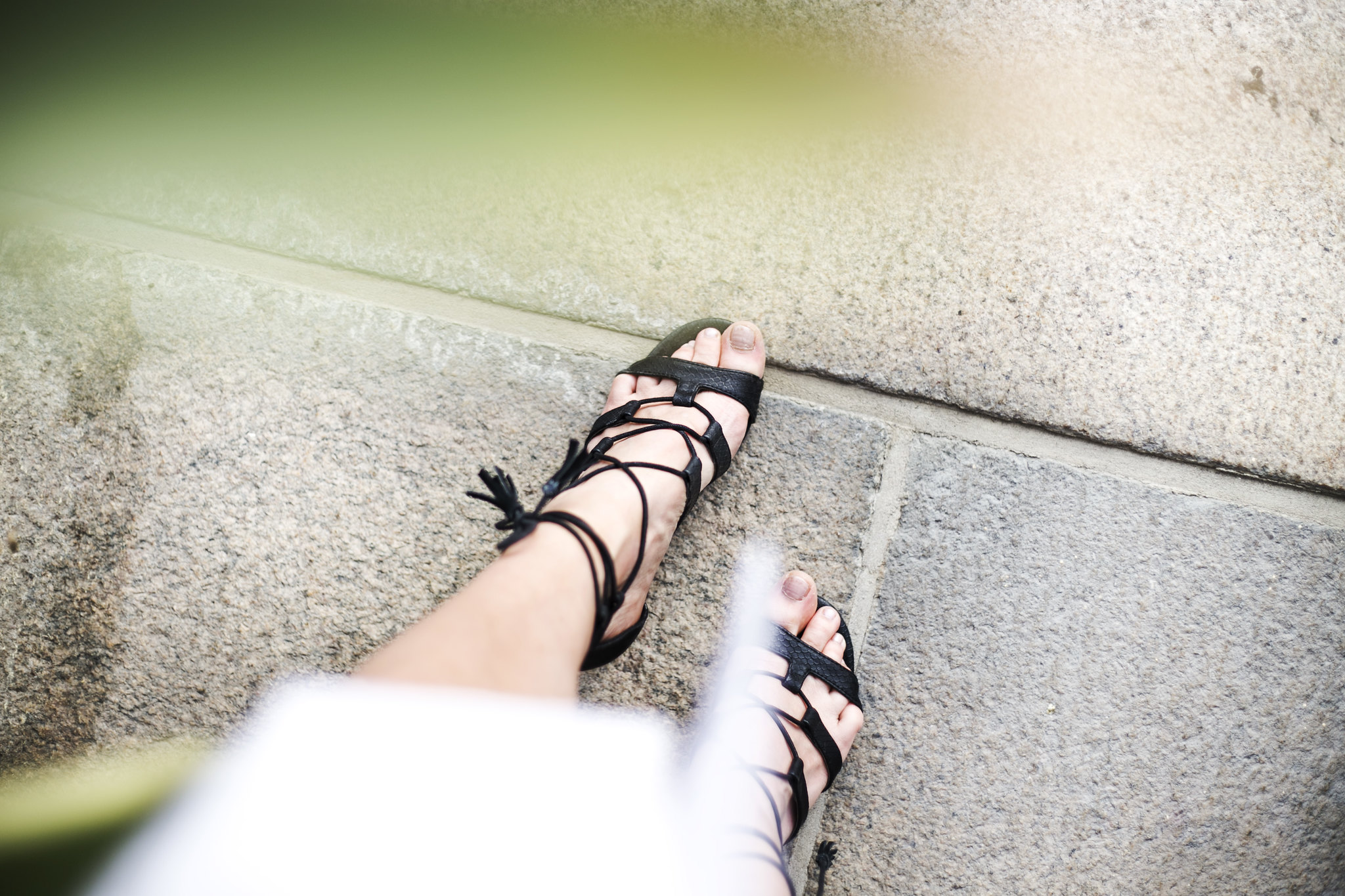 sandals-strapsandals-nelly-black-heels-blogger-graduation