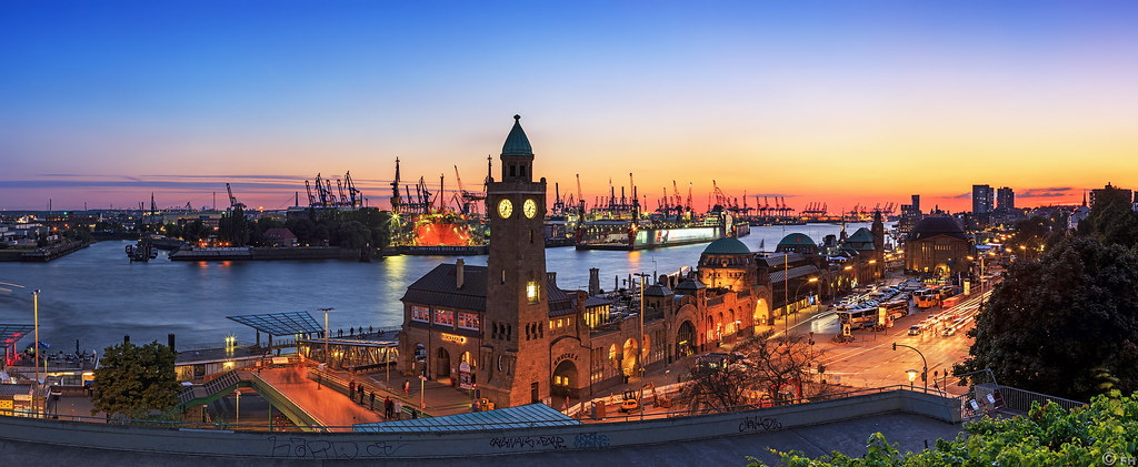 hamburg skyline panorama at blue hour. Black Bedroom Furniture Sets. Home Design Ideas