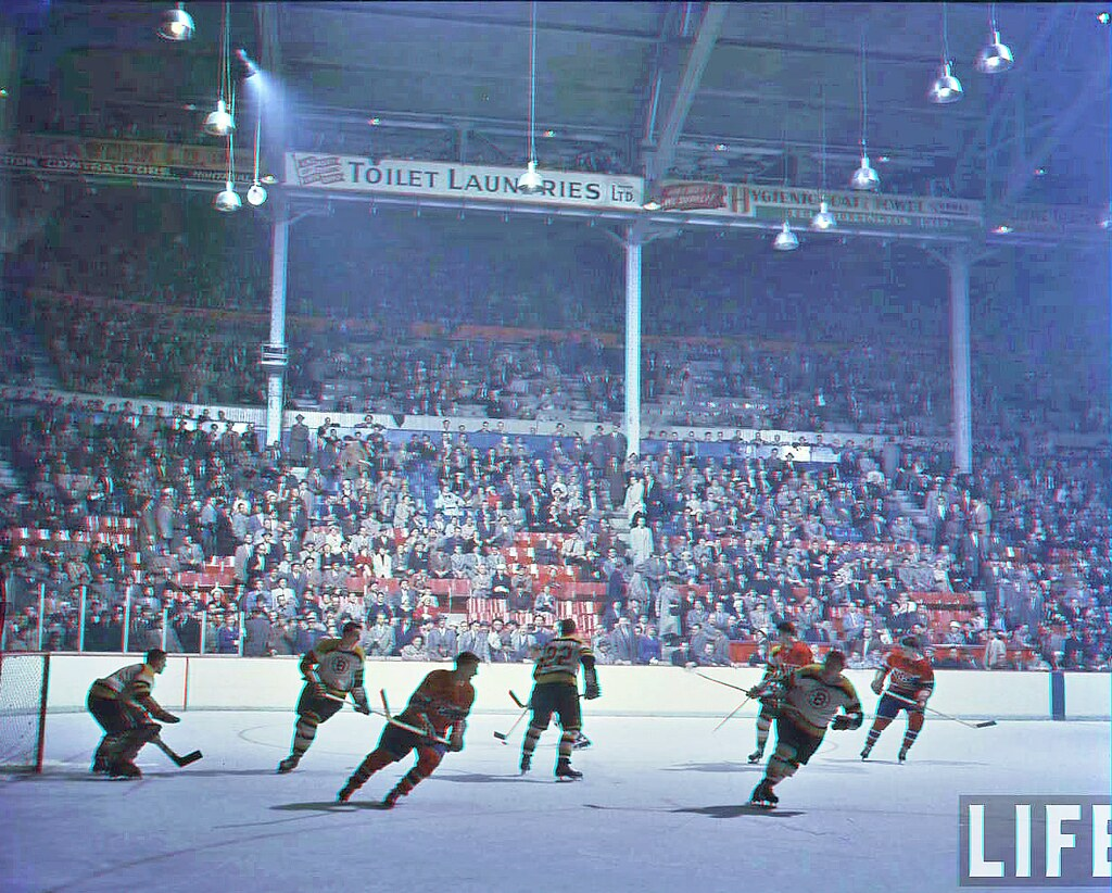 Montreal forum 2d to 3d conversion red cyan glasses for Photos de photos