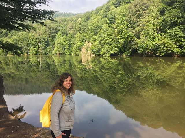 Rebeca en el Lago Parz (Armenia)