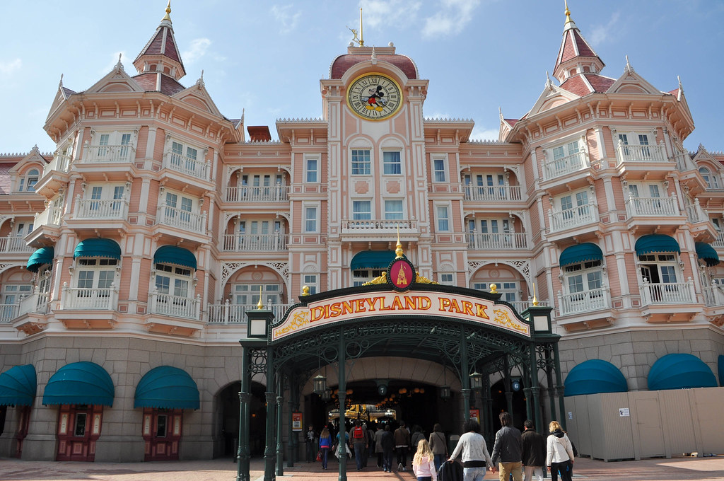 Paris Disneyland Hotel And Tickets Packages