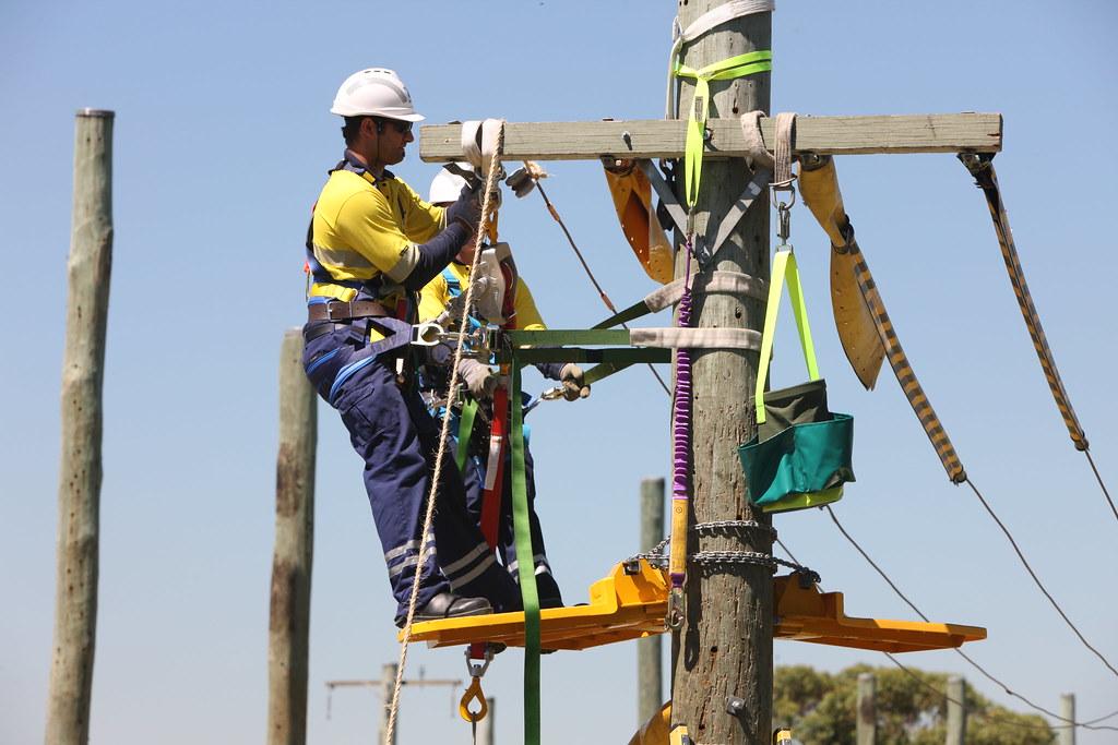 Overhead Powerline Work Ausgrid Photos Flickr
