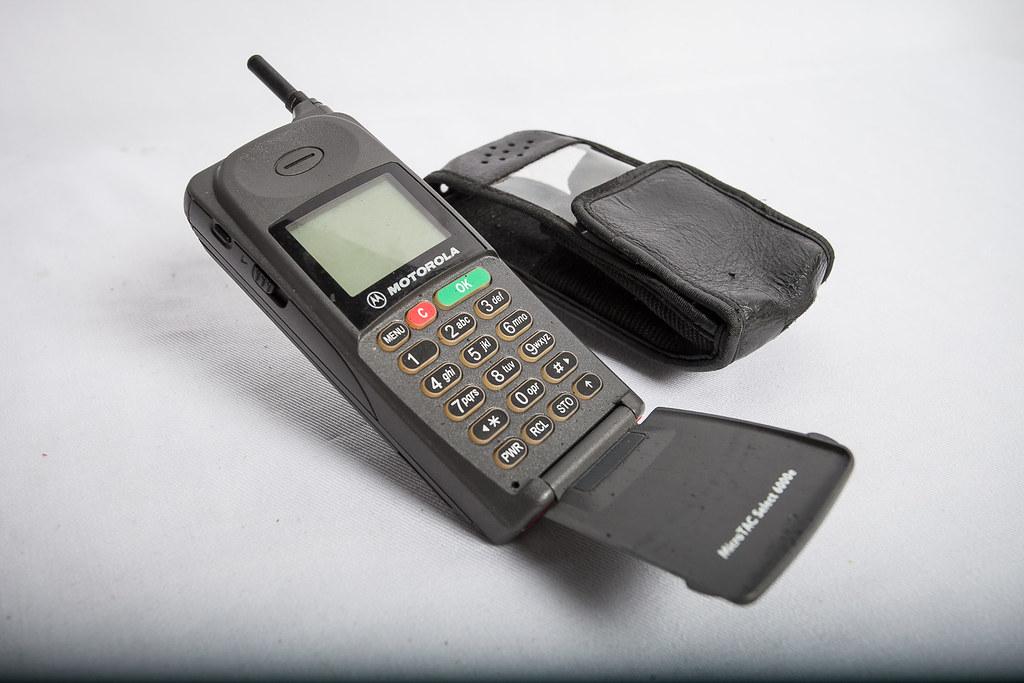 how to put a motorola flip phone