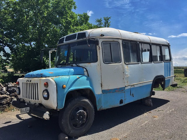 Autobús abandonado en Armenia