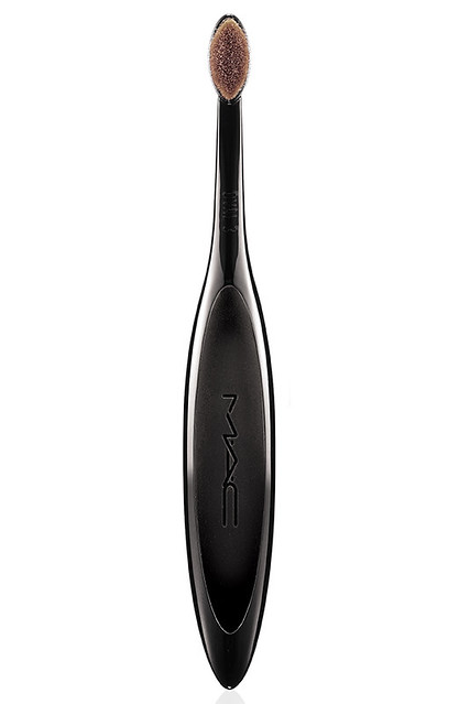 mac-Master-Class-Brush-Oval3-72