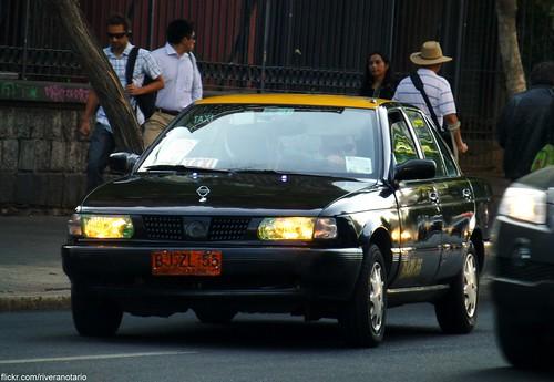 Nissan V16 Taxi - Santiago, Chile