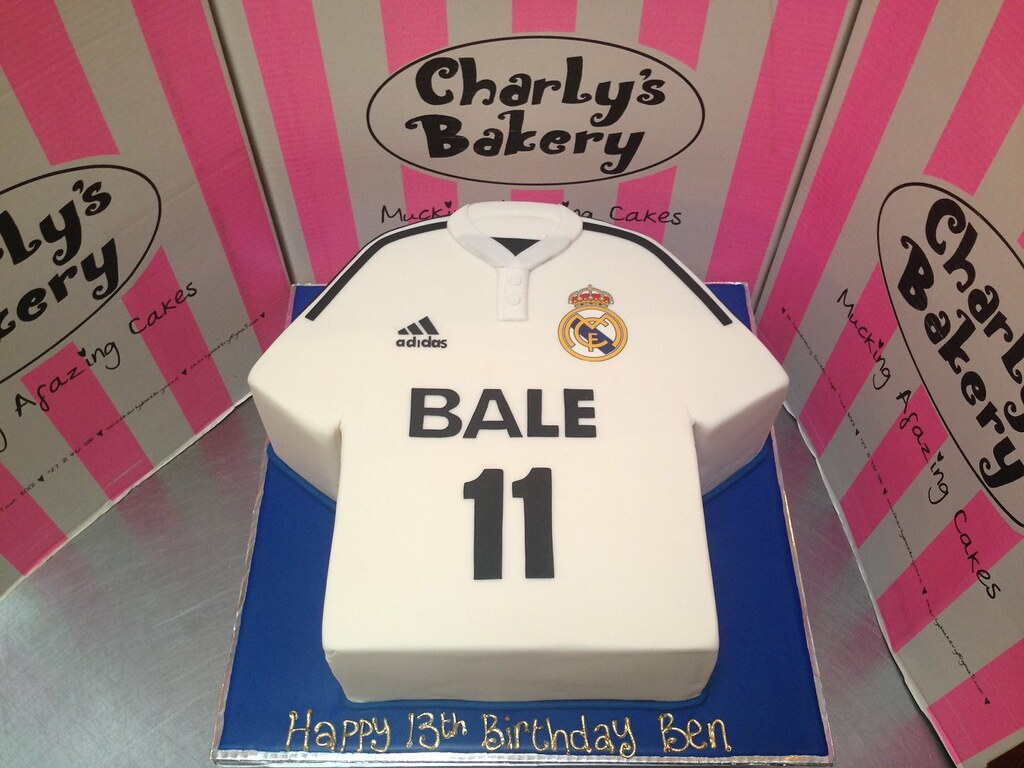 Football T Shirt Birthday Cake