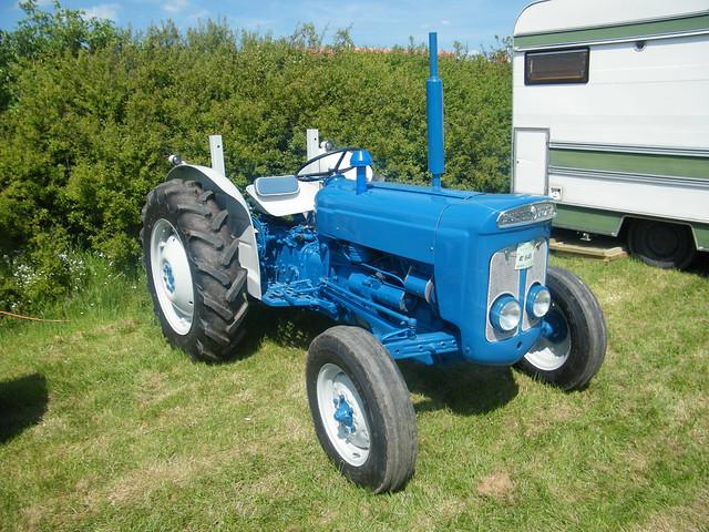 Super Dexta Tractor : Ford super dexta tractor