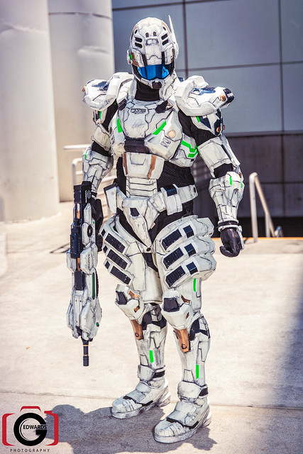 2013 Anime Expo - Day 3 - Augmented Reaction Suit ...