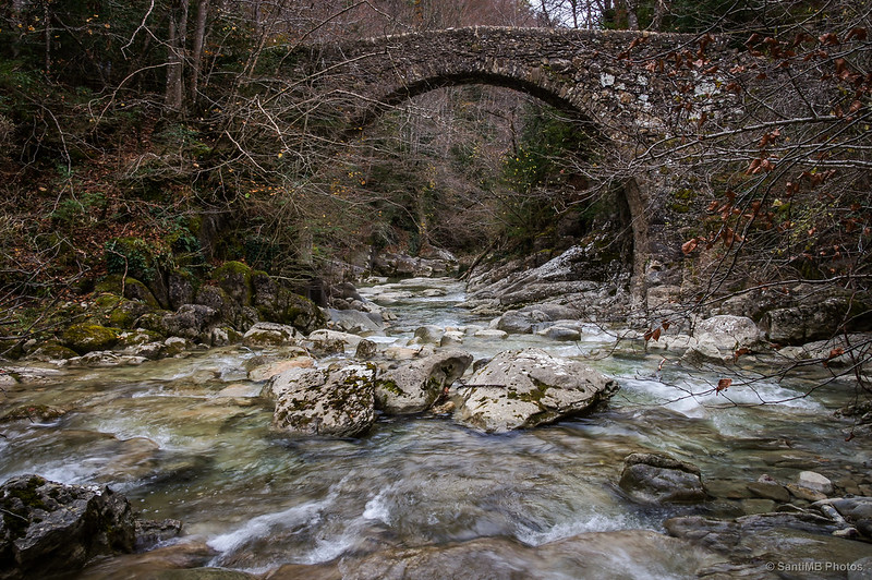 El puente de Salgueda, cerca ya del Salt del Molí.