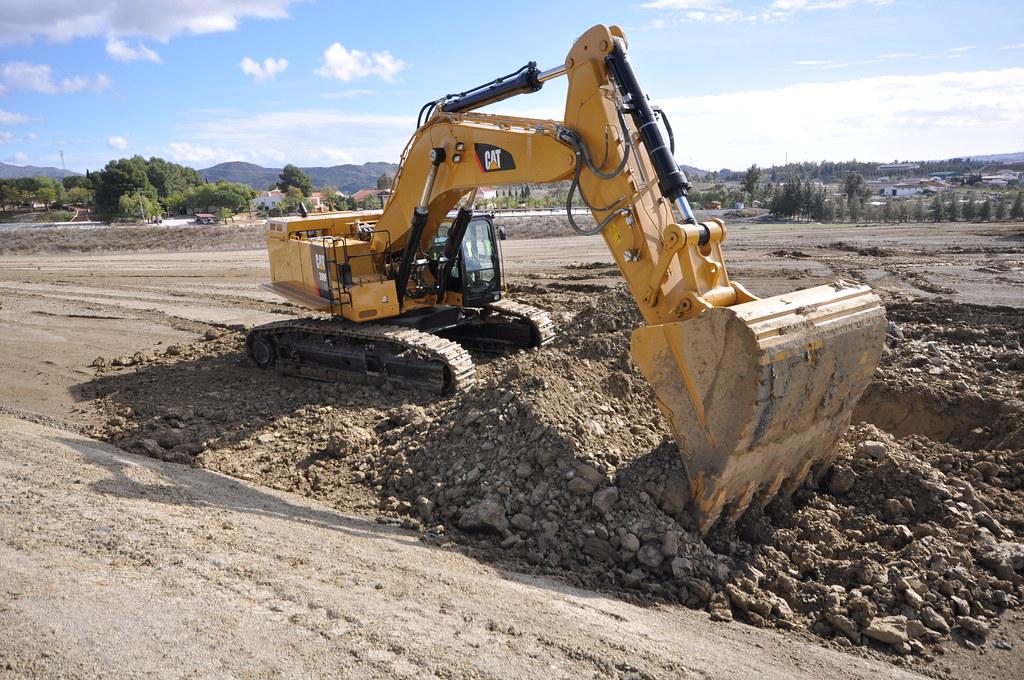 giant cat excavator - photo #43